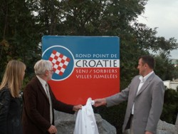 Rond point de Croatie - JPEG - 50.7 ko